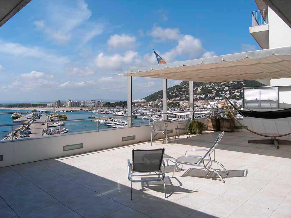 Magnificent apartment - duplex in the first line of the sea in L'Estartit (Costa Brava)
