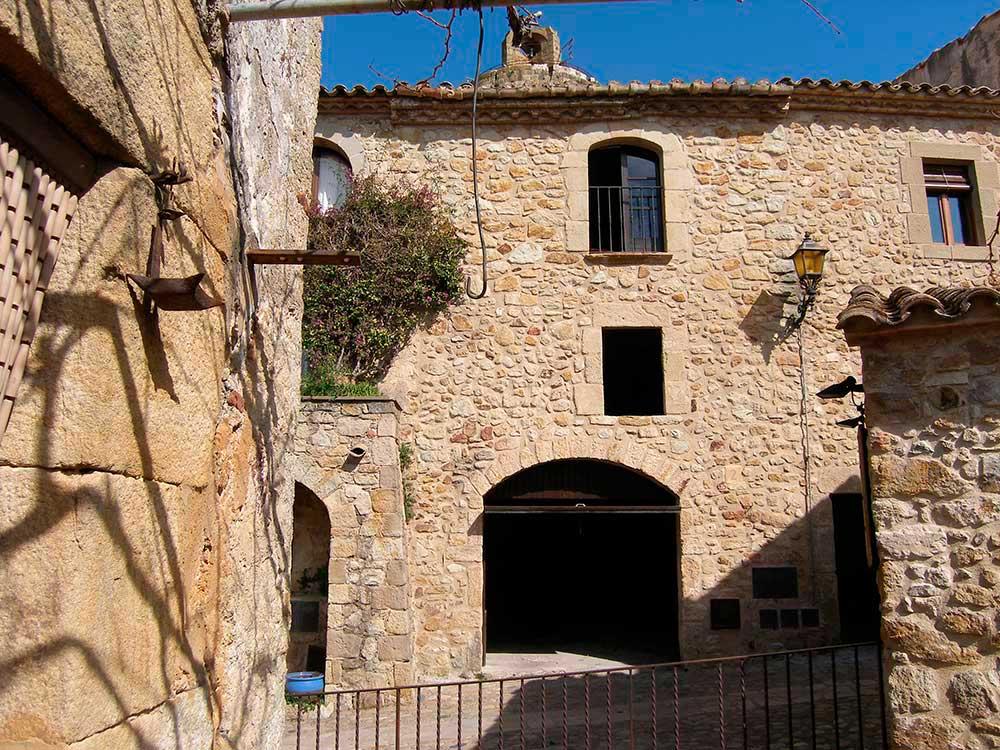 Casas pals casa de pueblo en el casco antiguo de pals - Casas para restaurar ...