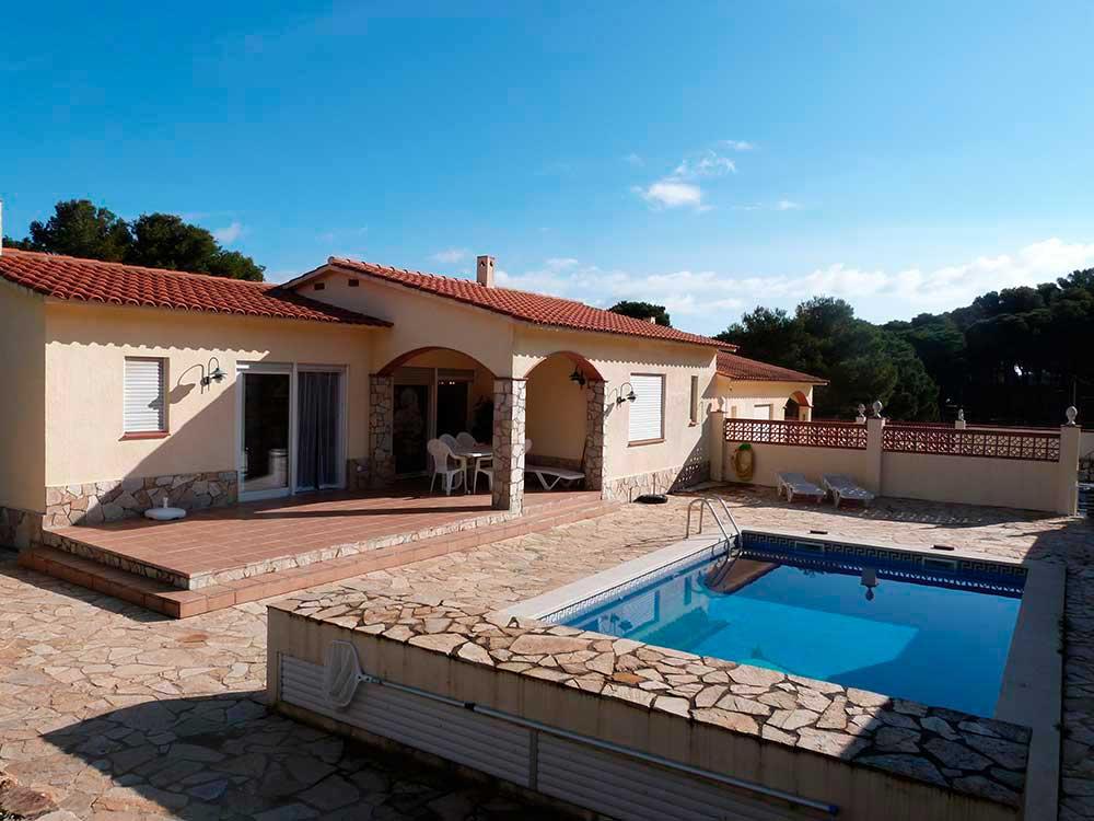 2 Cases adossades amb piscina privada a Pals (Costa Brava)